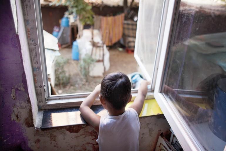 Despre-copiii-ramasi-acasa-si-despre-bandajele-emotionale_Pentru-specialisti_Psihoeducatie