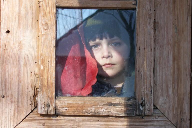 Plecarea-parintelui-si-procesul-de-adaptare-al-copilului_Pentru-specialisti_Psihoeducatie